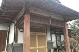 久留米市田主丸 玄関木部塗装の施工前画像