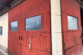 久留米市K様邸 倉庫 鉄扉塗装の施工前画像