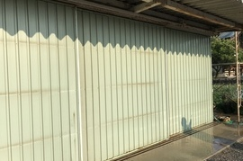 久留米市T様 倉庫鉄扉塗装の施工前画像
