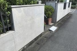 久留米市 S様邸 玄関塀塗装の施工前画像