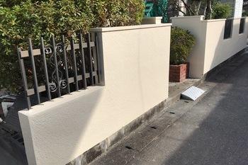 久留米市 S様邸 玄関塀塗装の施工後画像